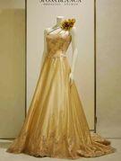 上質なシャンパンカラーのカラードレス
