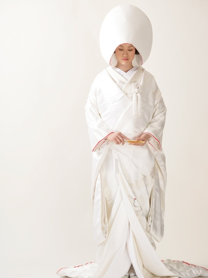 白無垢 綿帽子姿 赤ふき (スタジオ写真)