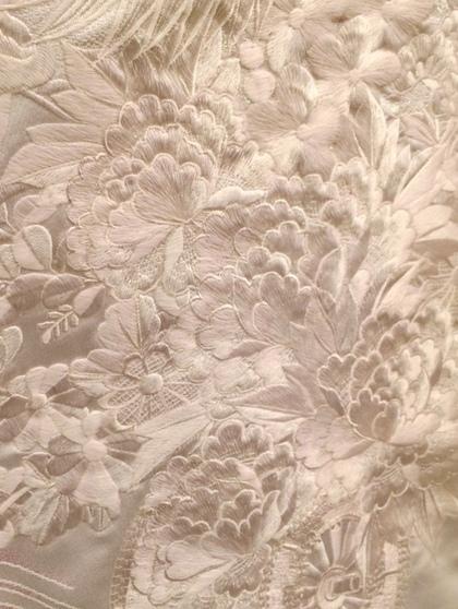 豪華な刺繍の白無垢