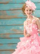 カラードレス スィートなピンクのフリルのドレス