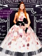 UNO et L'ETOILE(ウノ エ レトワール) ピンク お花いっぱいのカラードレス