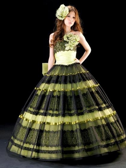 カラードレス 明るいグリーンに黒のレースがちょっぴり大人のマリエ