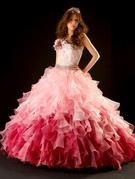 カラードレス ピンク~ワイン色グラデーションのフリルが個性的なマリエ