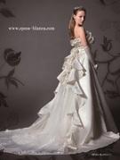 バックスタイルが美しいウェディングドレス