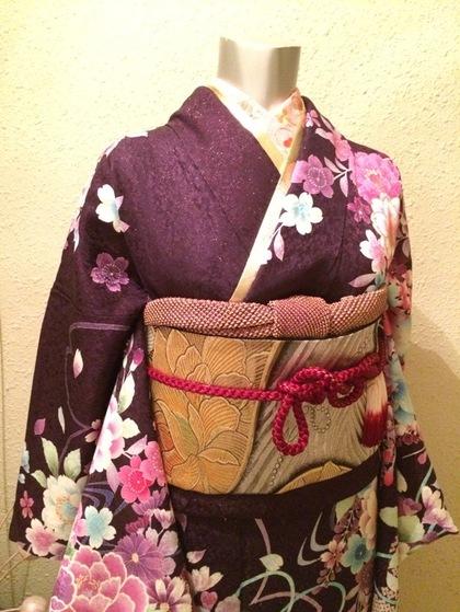 訪問着・色留袖・振袖等のお着物レンタル(大阪梅田店) お正月キャンペーンで格安価格でレンタル出来ます♪