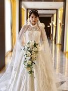 ホルターネック|シアーなデコルテが個性的なウェディングドレス