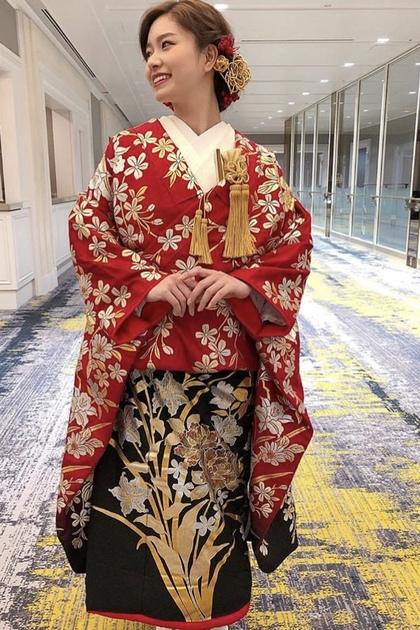 色打掛 赤と黒の2色使いで背の高い花嫁様におススメ