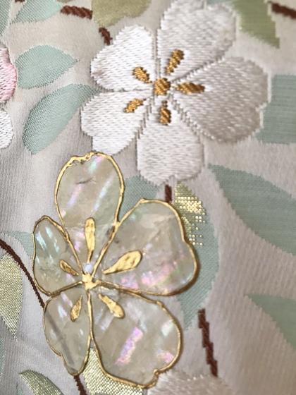 色打掛 白地金 螺鈿(ラデン)桜柄