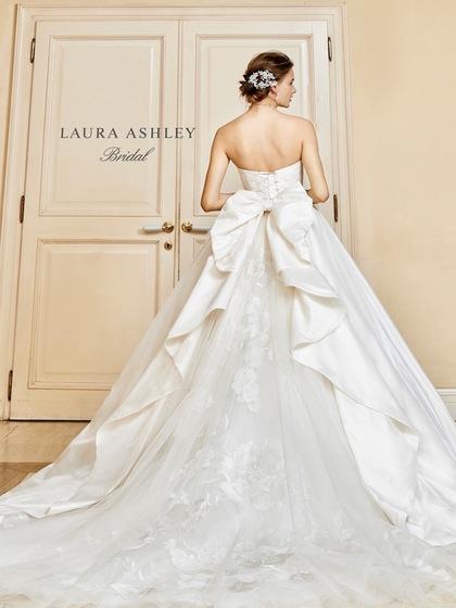 ウェディングドレス LAURA ASHLEY(ローラアシュレイ)×SPOSA BLANCA