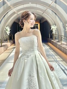 ウェディングドレス サテン オーセンティックなロングトレーン